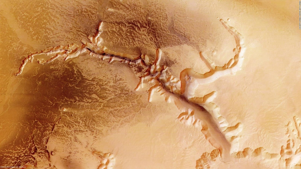 Chinese space mission captures amazing photos of Mars