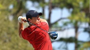 Todos de rojo y negro por Tiger Woods
