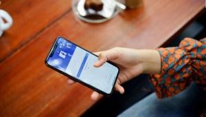 Facebook reanuda los anuncios políticos en EE.UU.