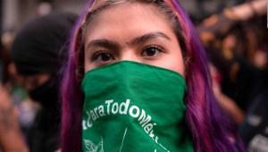 """""""La mujeres somos la oposición del gobierno de AMLO"""", dice activista"""