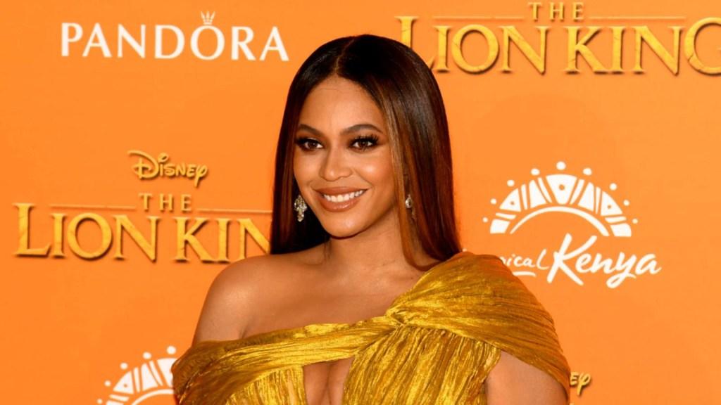 Beyoncé rinde homenaje a admiradora que murió de cáncer