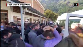 Atacan vehículo que movilizaba a Alberto Fernández