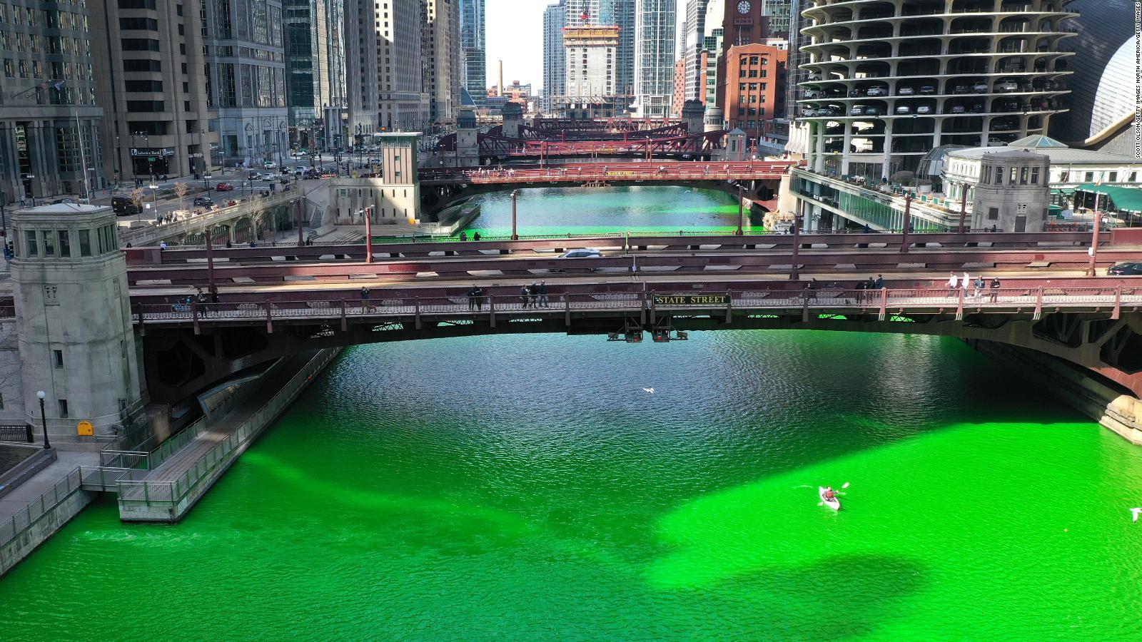 Mira el río verde en Chicago por el Día de San Patricio