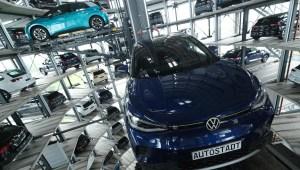 Volkswagen busca impulso en el mundo de autos eléctricos
