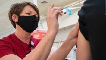 ¿Por qué no podrás dejar de usar la mascarilla a pesar de haberte vacunado?