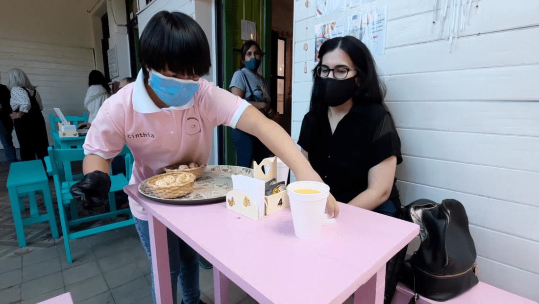 Un café atendido por personas con síndrome de Down