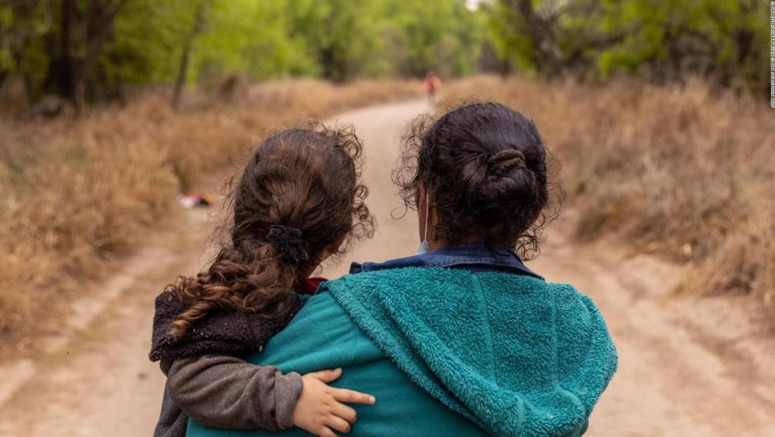 Gobiernos de EE.UU. y México hablan sobre crisis migratoria