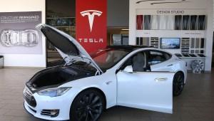 Ya puedes comprar un Tesla con bitcoins
