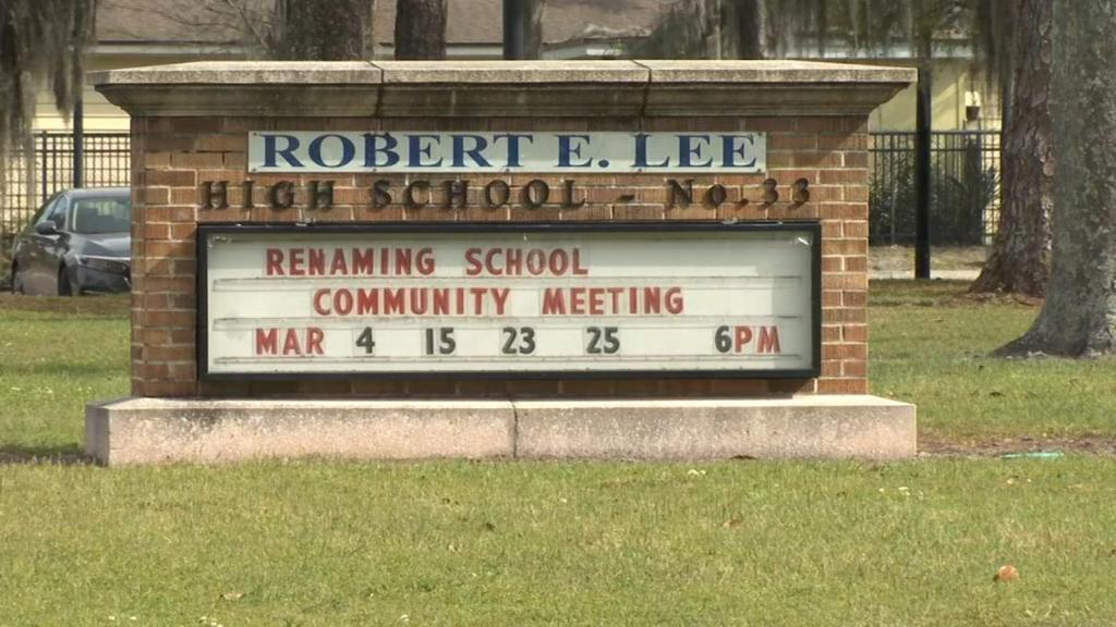 Comentarios racistas en audiencia por nombre de escuela