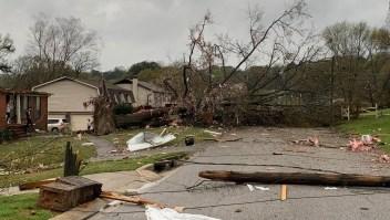 Se topan con un tornado en Alabama y salen ilesos