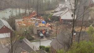 Hombre narra aterradora experiencia que vivió con tornado