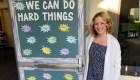 Maestra usa la música para infundir confianza en alumnos