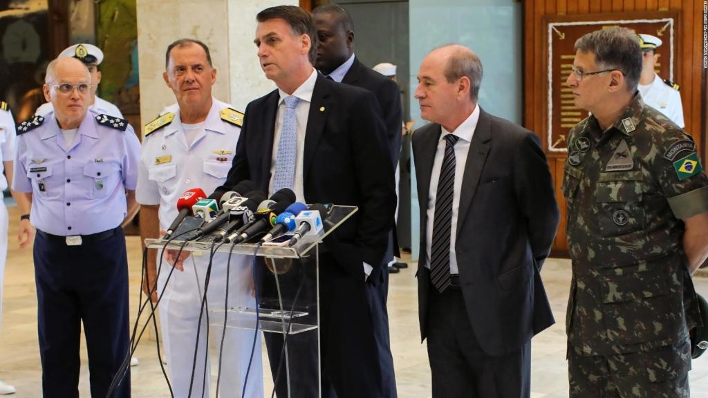 Bolsonaro, tras el reemplazo en las Fuerzas Armadas