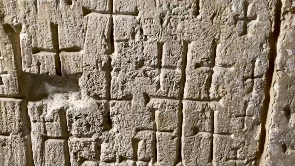 Explican misteriosas cruces en iglesia del Santo Sepulcro