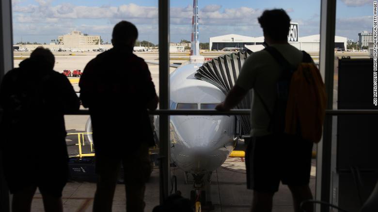 EE.UU. covid viajes pandemia aeropuertos
