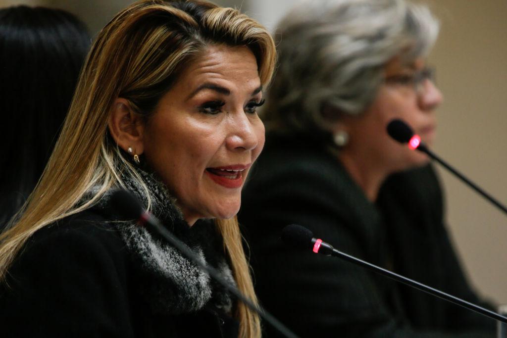 Equipo de Jeanine Áñez dice que sufrió descompensación en la cárcel y denuncia supuestas demoras en permisos para ingreso de médicos