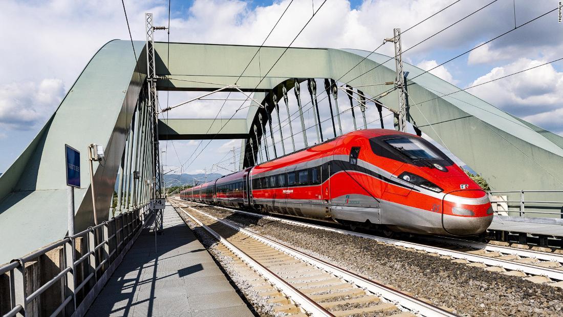 Italia presenta trenes 'libres de covid' hacia destinos turísticos