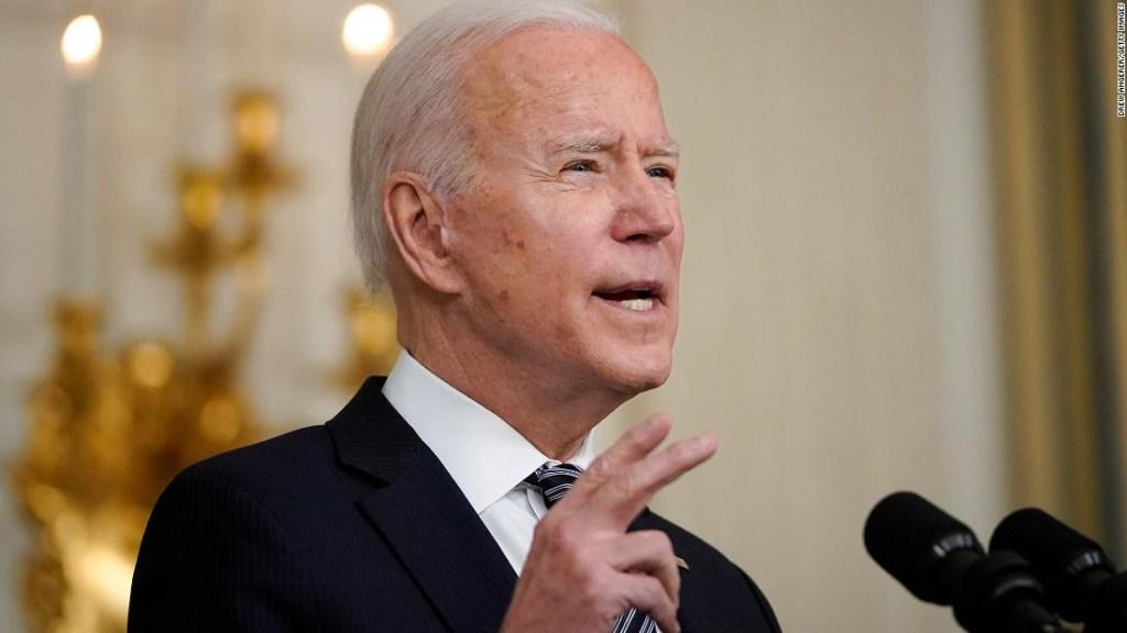 ANÁLISIS   Los insultos vuelan mientras Biden se enfrenta a Rusia y China