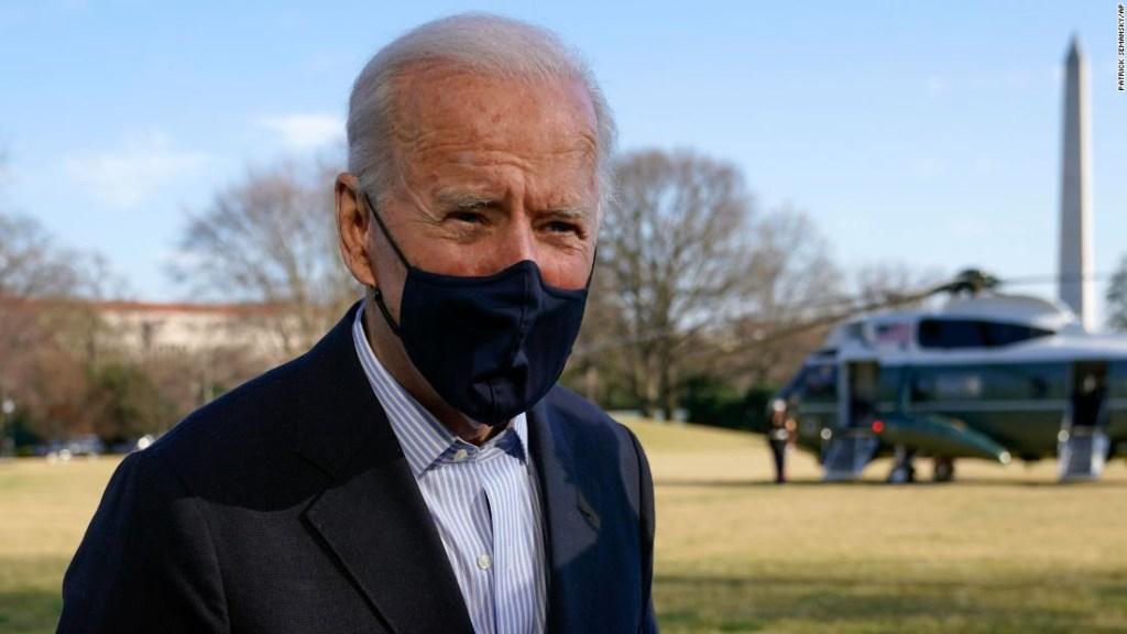 ANÁLISIS | Biden promete aliviar la oleada fronteriza mientras los republicanos perciben una ventana política
