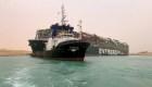 Atasco en canal de Suez rebasa las 48 horas