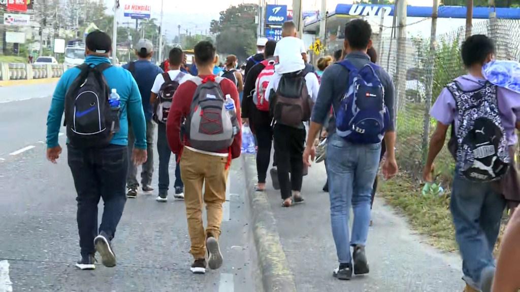 """""""El Salvador o México no van a detener las caravanas"""""""
