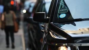 Uber permite alquilar autos desde su aplicación