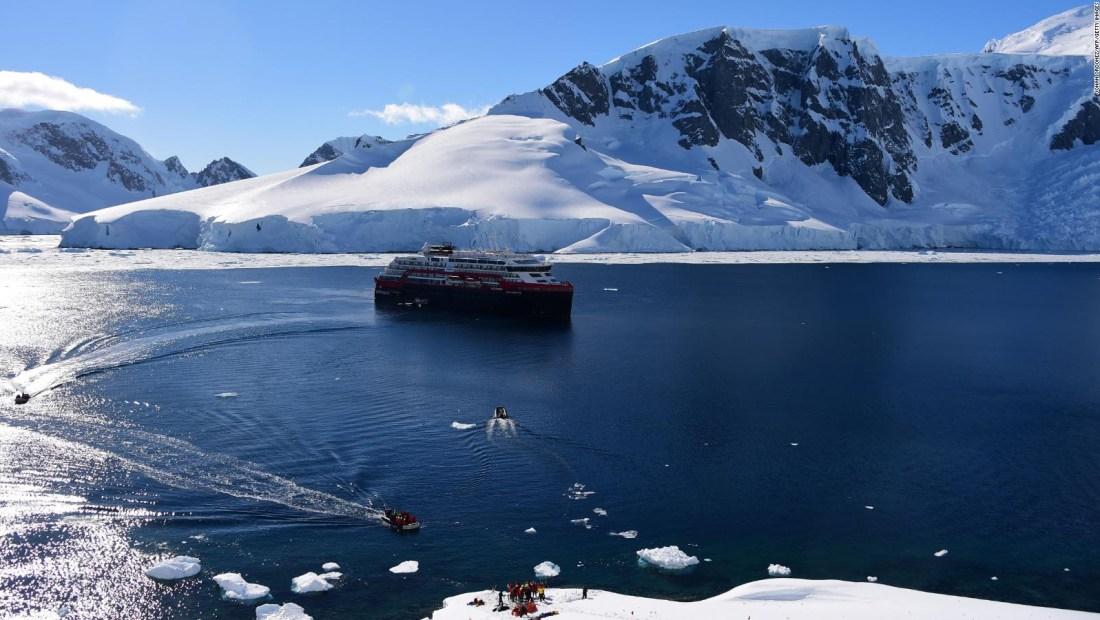 Conoce lo bueno y lo malo del turismo polar