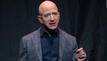 Bezos dice que apoya aumento de impuestos corporativos