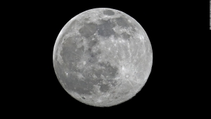 Llevarán por primera vez a persona de color a la Luna