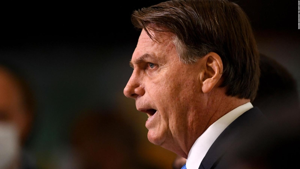 Investigan la gestión de Bolsonaro durante la pandemia
