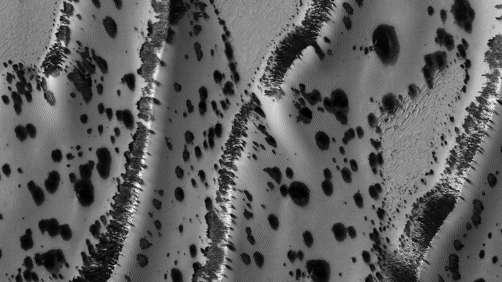 See the Dalmatian dunes of Mars and postcards from space