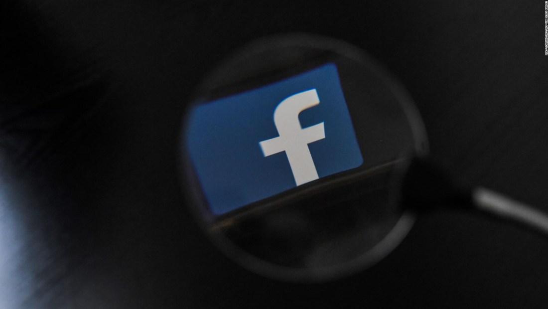 Mira si robaron tu información de Facebook