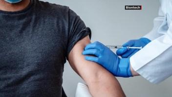 Hay que ponerse vacuna que esté disponible, dice médico
