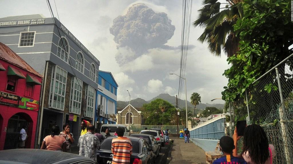 Liberan ayuda para la emergencia del volcán La Soufrière