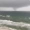 Video capta un tornado marino formándose en el Golfo de México