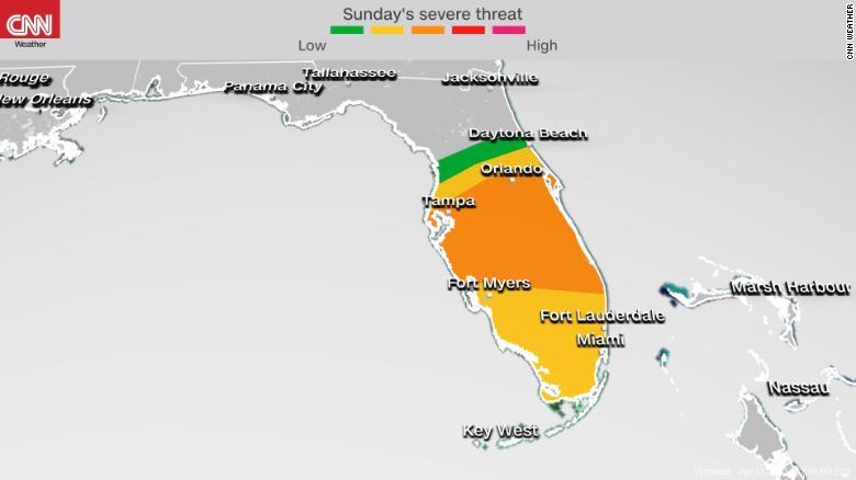 Amenaza de tormenta en Florida causa retrasos en vuelos