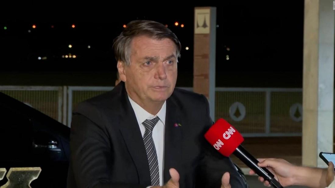 """Bolsonaro: """"solo Dios me sacará del sillón presidencial"""""""