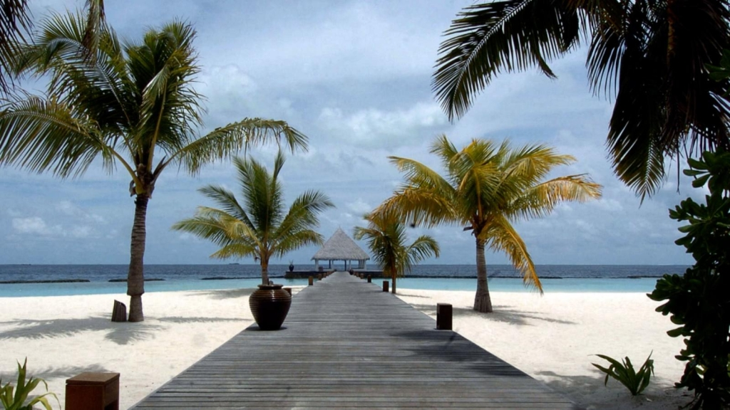 Maldivas ofrece vacunas a los turistas