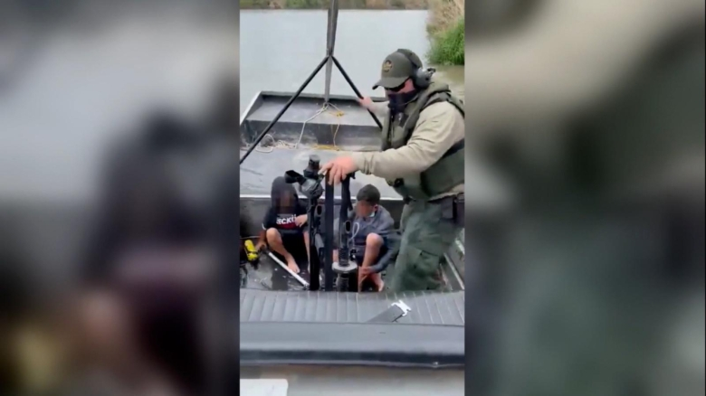 Impactantes video del rescate de dos niños en la frontera
