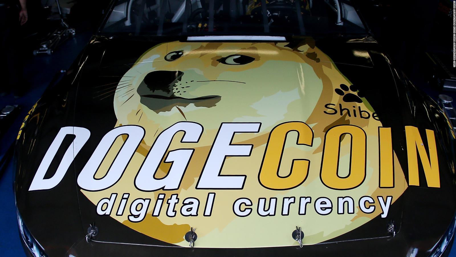 Fanáticos de criptomoneda Dogecoin celebran el 'DogeDay' el 20 de abril   Video   CNN