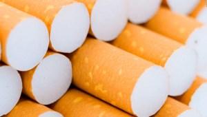 cigarrillo mentolado Se hunden las acciones de fabricante de cigarrillos