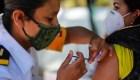 México comienza a vacunar al personal educativo