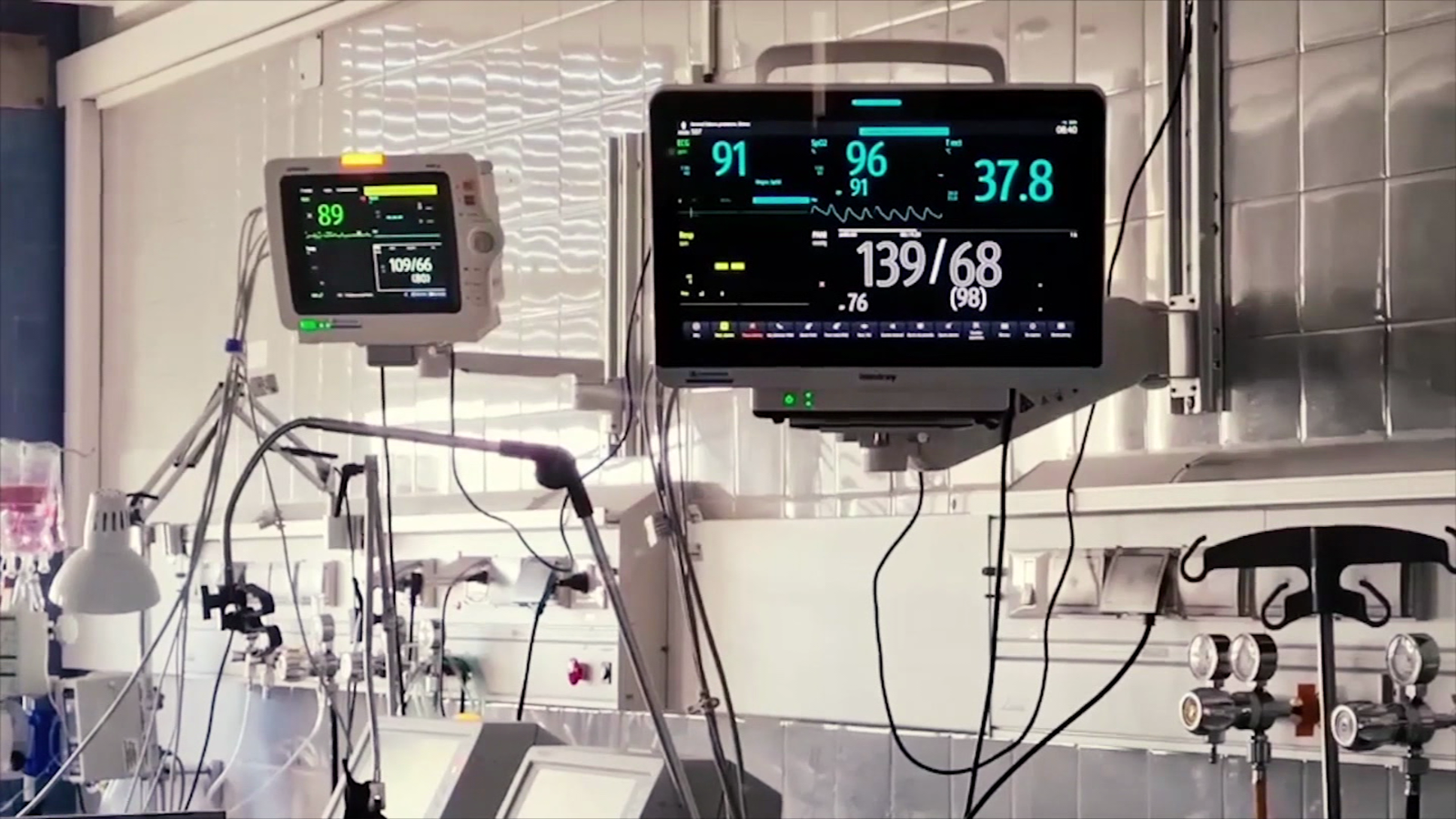 Some hospitals in Buenos Aires have chosen to beat patients ante by the covid-19 |  Video