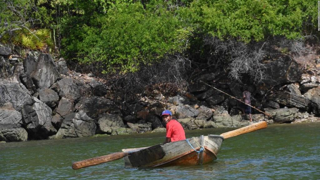Naufraga embarcación frente a la costa venezolana