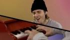 """Justin Bieber canta """"Peaches"""" con instrumentos escolares"""