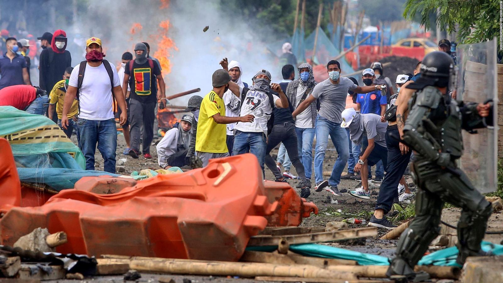 """210429232044 cali protestas colombia reforma tributaria full 169 - EEUU llamó al """"diálogo"""" en Colombia, tras las manifestaciones que ya causaron 19 muertes"""