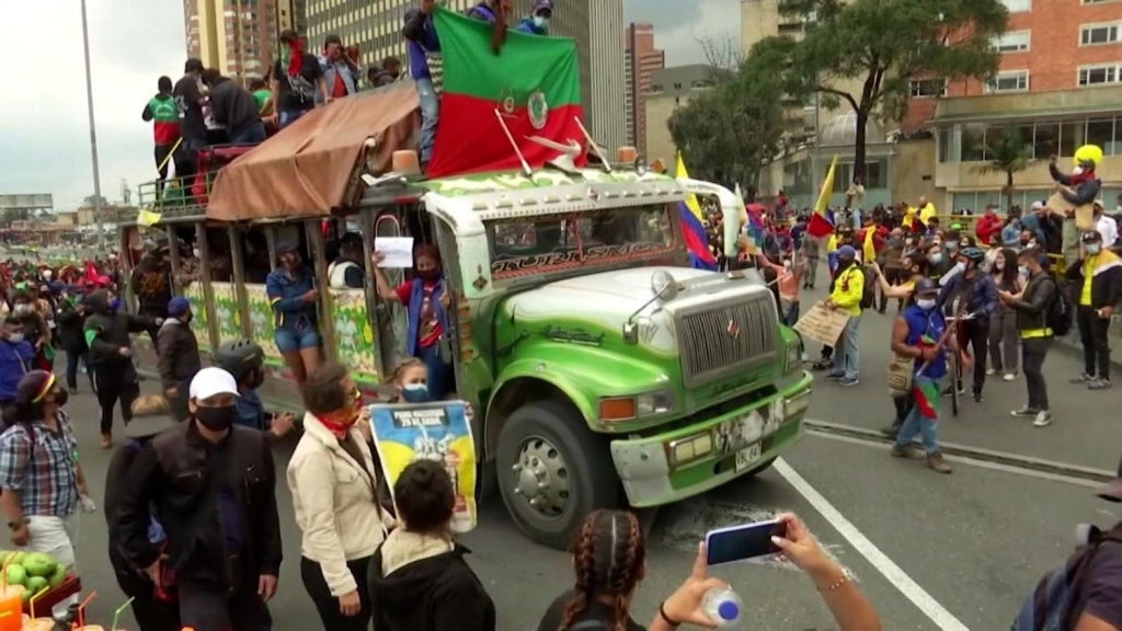 Violentan a medios de comunicación en Colombia