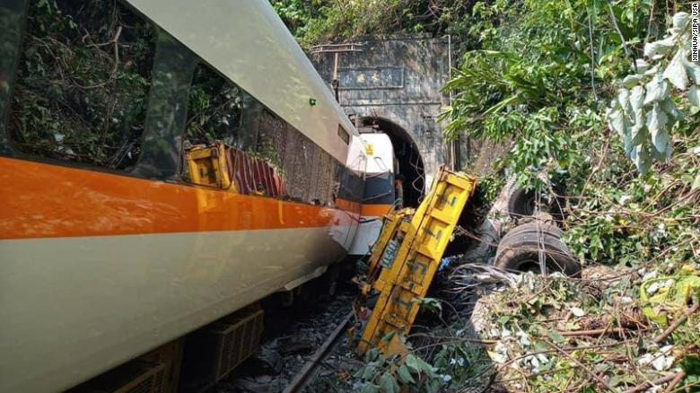 Train derailed in Taiwan