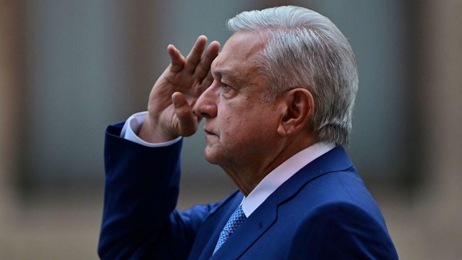 Presidente de México dice que propondrá un acuerdo migratorio regional durante cumbre climática convocada por Joe Biden
