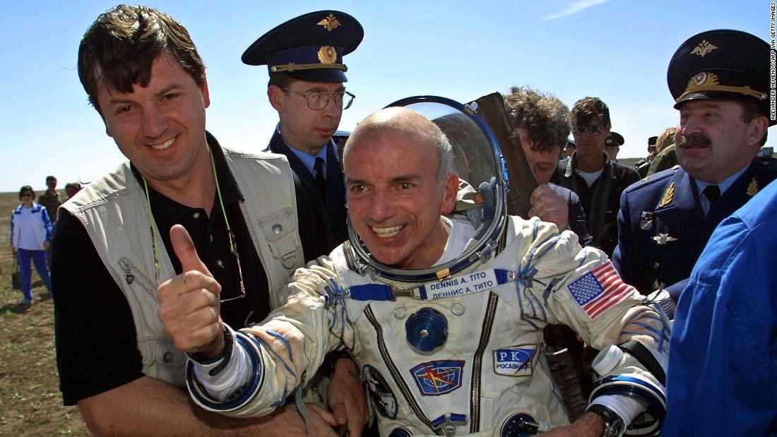 Primer turista espacial dice que su viaje fue el mejor momento de su vida thumbnail